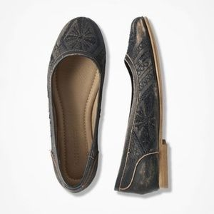 MUSSE & CLOUD Distressed Leather Kendal Flats 6